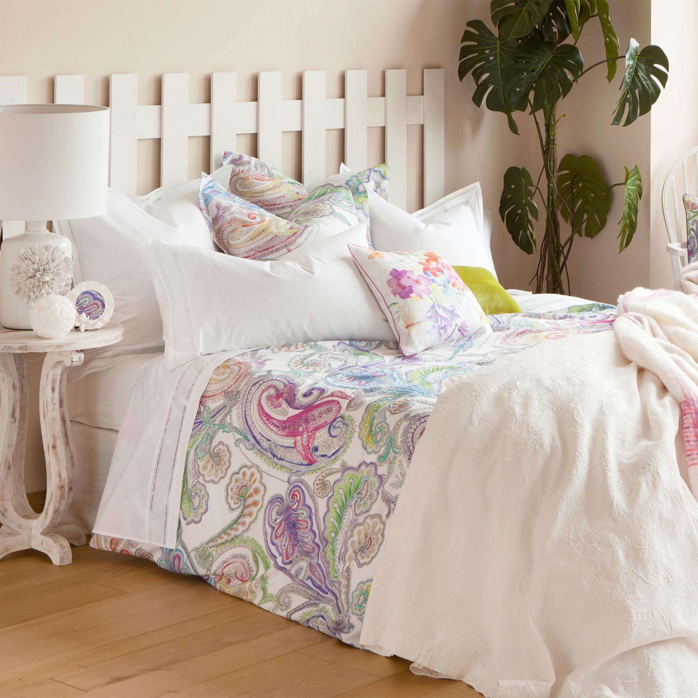 مفروشات ملونة 1 1500x1500 مفروشات سرير بتصميمات رائعة وأذواق راقية من Zara Home
