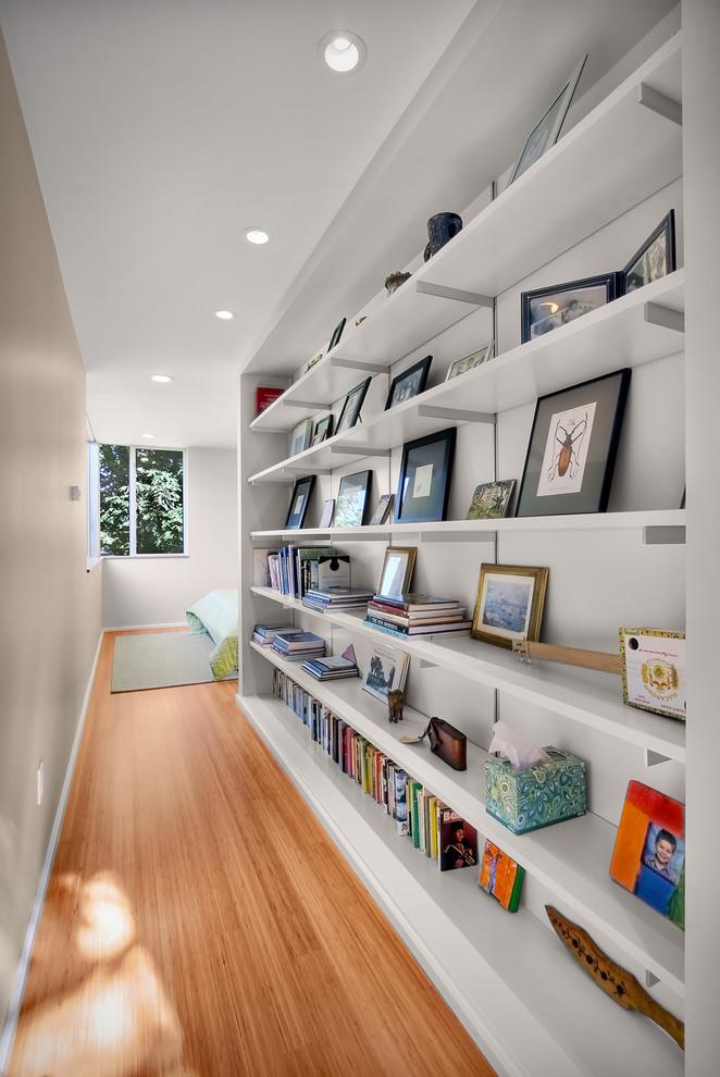 مكتبة في الرواق 3 7 أفكار أنيقة وعملية لديكورات أروقة المنازل