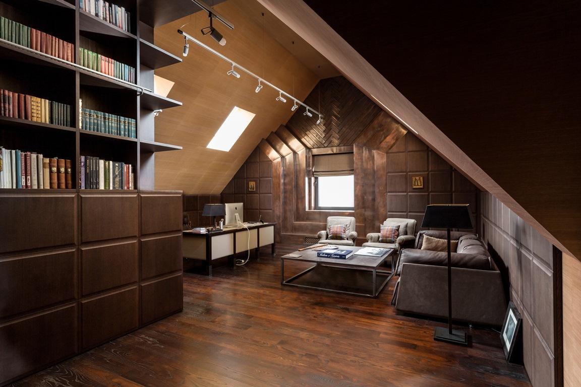 مكتب بتصميم أنيق 2 منزل فخم يجمع الديكور الكلاسيك والمودرن بشكل فني رائع