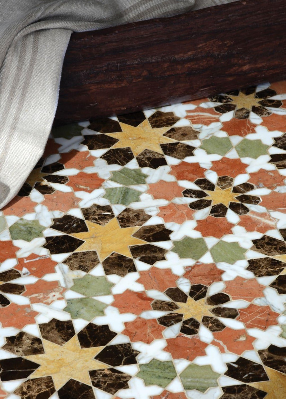 موزاييك رخام 2 1078x1500 روعة الموزاييك وفخامة الرخام في تصميمات حوائط وأرضيات مذهلة