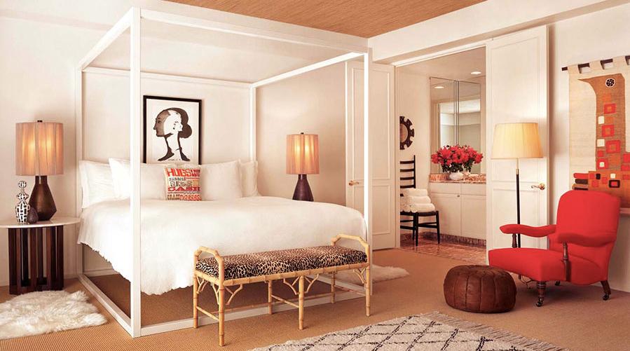 4 سرير بأعمدة بيضاء 4 سرير بأعمدة بيضاء