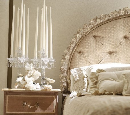 Fabulous-royal-classical-bedroom-candles