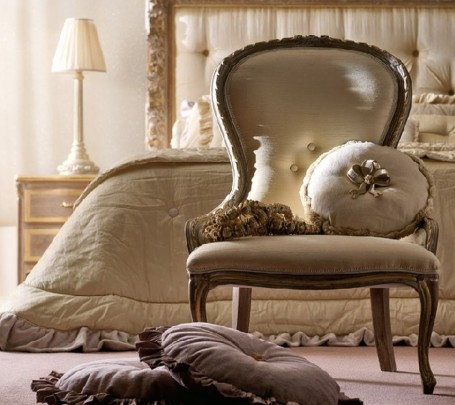classical-bedroom-chair