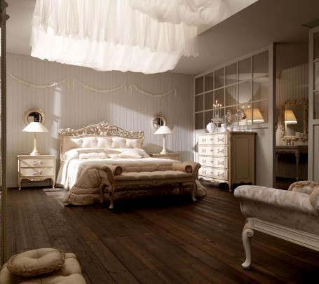 classical-bedroom-with-white-curtains
