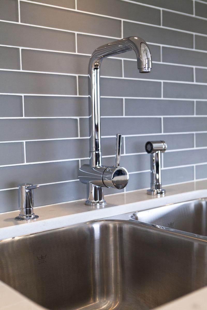 kitchen sink تصميمات مطابخ تناسب المساحات الصغيرة