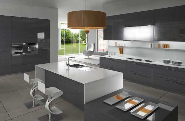 reflective-gray-kitchen-600x395