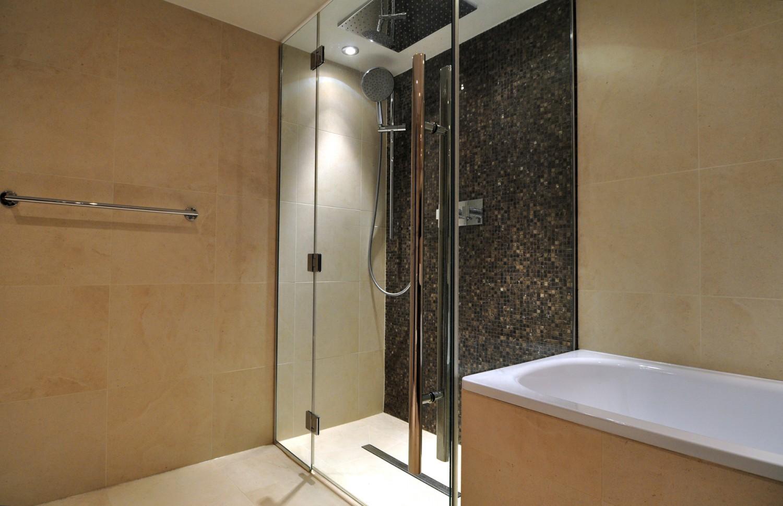 warm house bathroom2 1500x969 warm house bathroom2