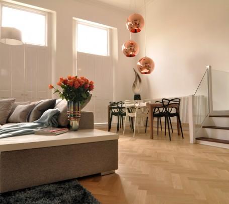 warm-modern-living-room-lights