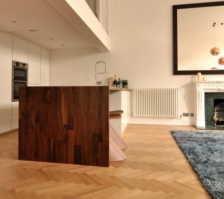 warm-modern-living-room-open-kitchen