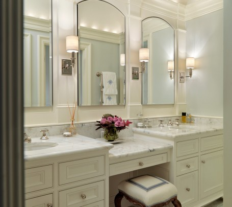 white-bathroom-interior-design